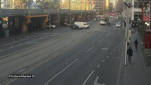 Webcam at Flinders St at Elizabeth St Melbourne